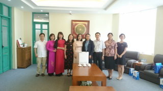 The China Central Academy of Fine Arts visit and contact at the school