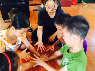 Volunteer with international students from Taiwan in 2016
